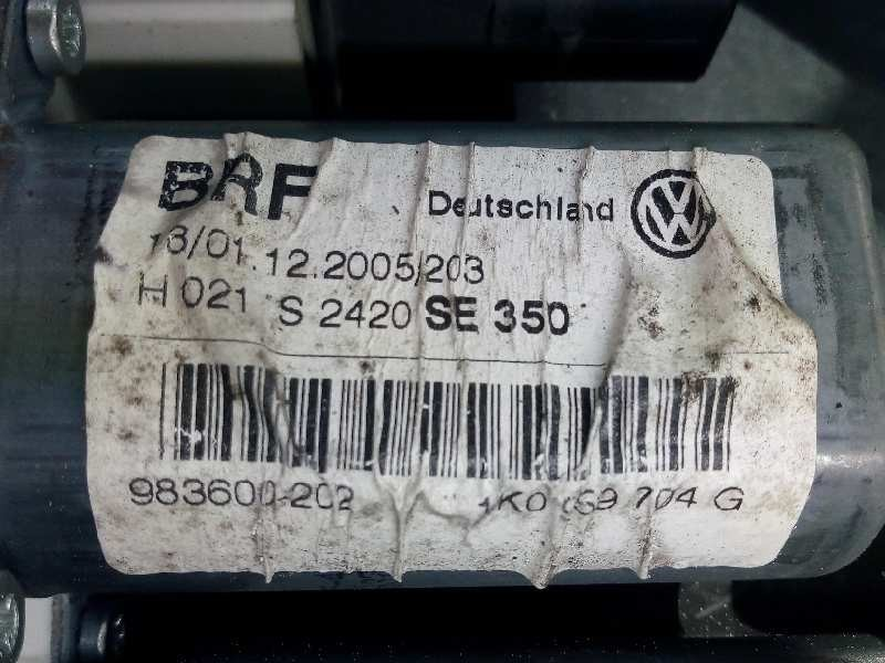 LUZ INTERIOR FORD FOCUS BERLINA S - 214062